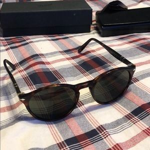 Person sun glasses